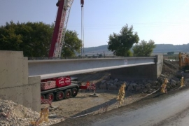 Tahtalı deresi köprü yapım işi 31 metre boyunda 22 halatılı öngermeli prekast köprü kirişi